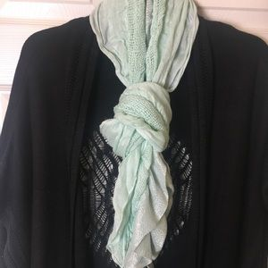 Charlotte Russe scarf (green)
